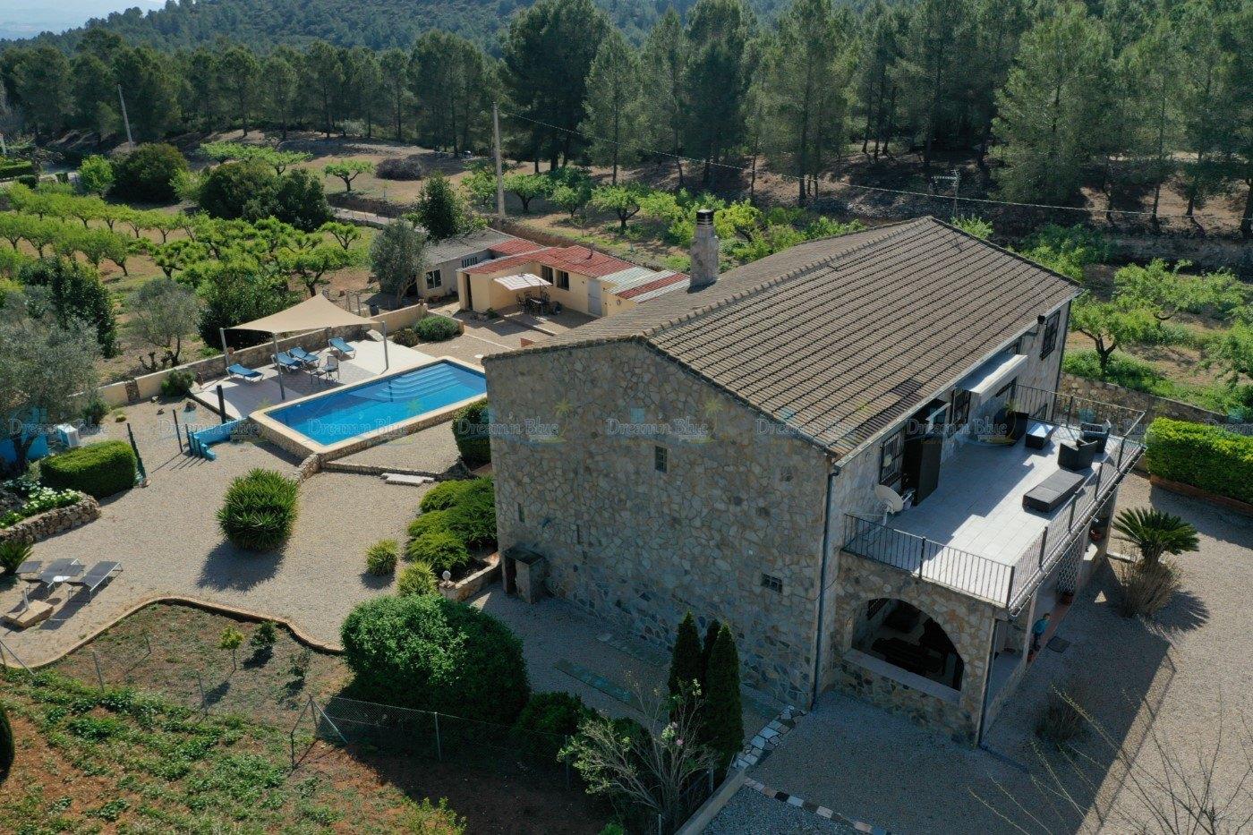Villa for sale in L'Olleria
