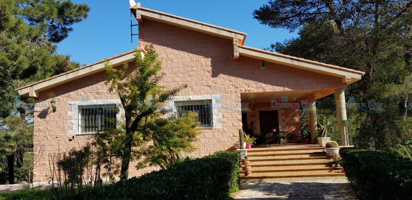 Villa for sale in Barx